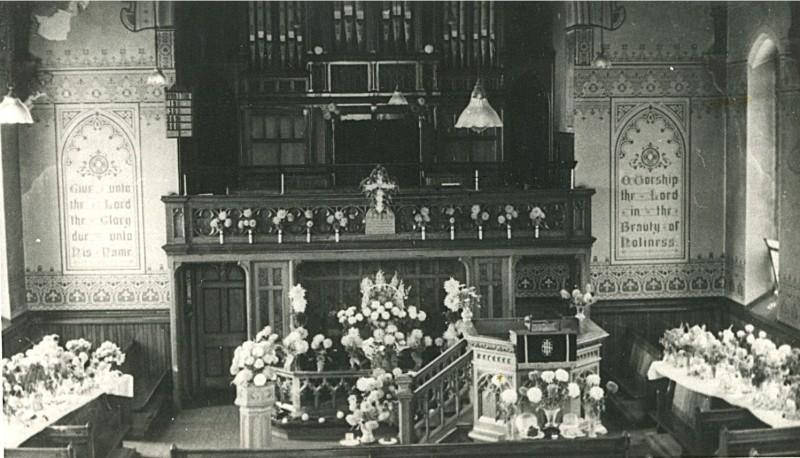 Wesley Meth Church-Bburn Rd Hud Hey - Interior [800x600]