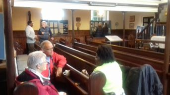 Visitors to the chapel (1)